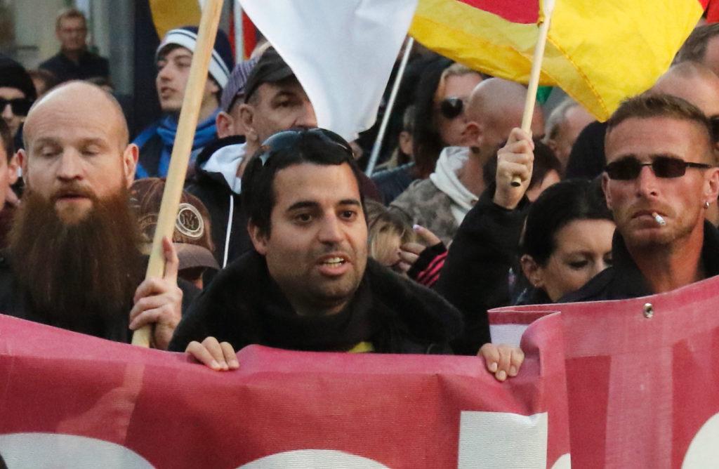 """Khazaeli bei einer neonazistischen """"Merkel muss weg""""-Demonstration in Berlin"""